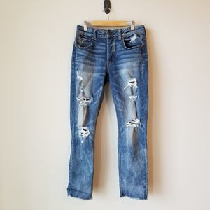 American Eagle Tomgirl Distressed Destroyed Jeans